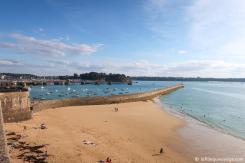 Vue sur la mer et le port de Saint-Malo