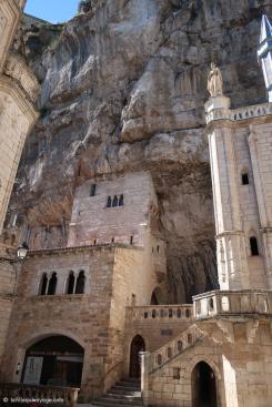 Rocamadour - Une cité construite dans le roc de la montagne.